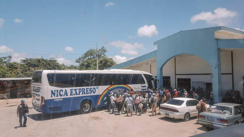 costa-rica-nicaragua-border-crossing