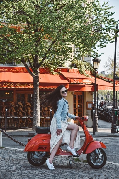 Things-to-do-in-Paris-scooter