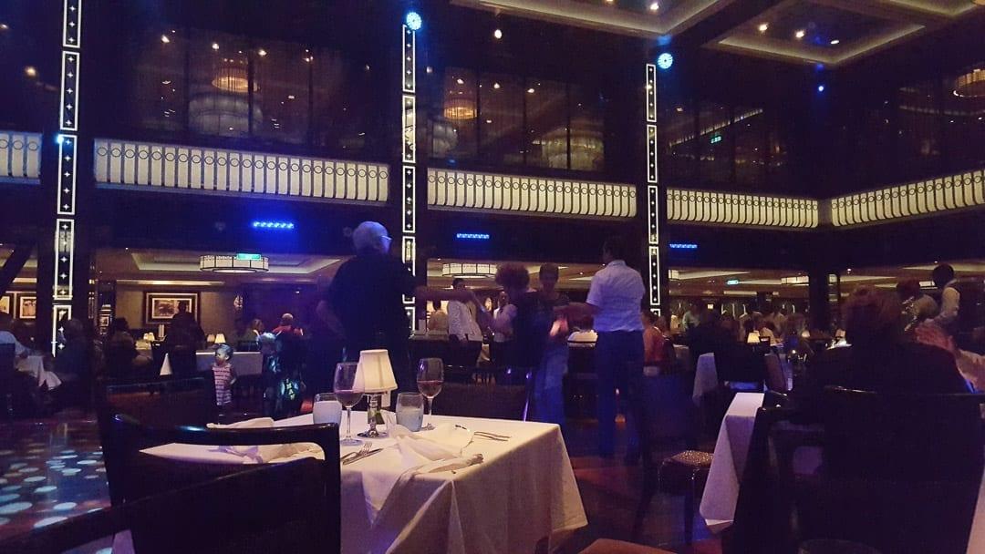 norwegian-getaway-tropicana-restaurant
