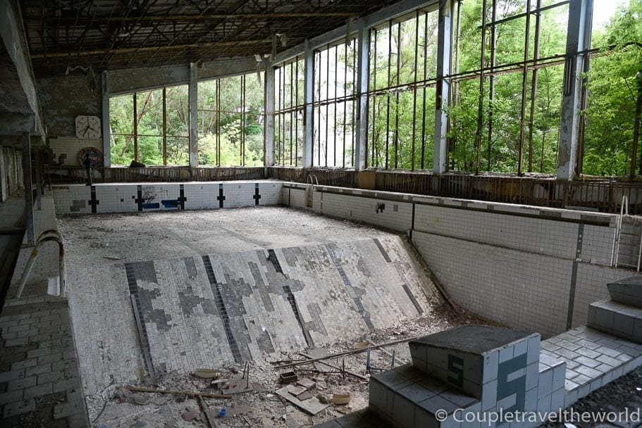empty-abandoned-swimming-pool-in-chernobyl