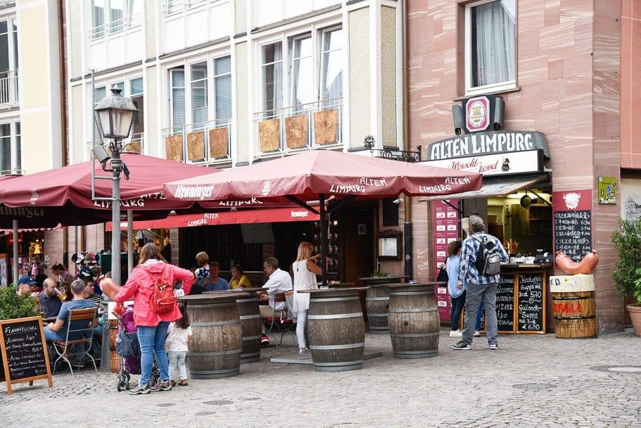 frankfurt-river-cruise-dining