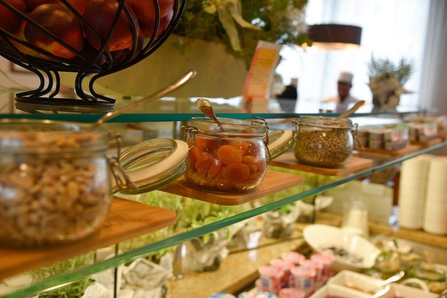 Hilton-Garden-Inn-Krakow-breakfast