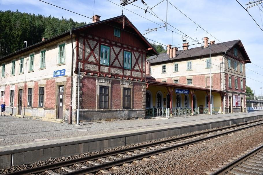 Usti-Nad-Orlici-station-transfer-to-wroclaw