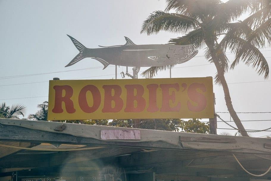 Robbie's-Tarpon-sign