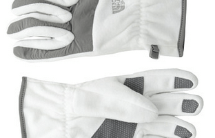 6pm: Women's North Face Gloves $13.50 Shipped (Regularly $27)