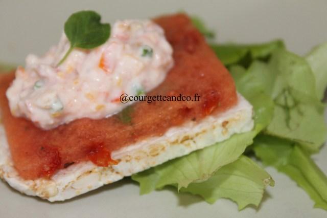 Croustillant de riz à la gelée de tomates et son fromage frais