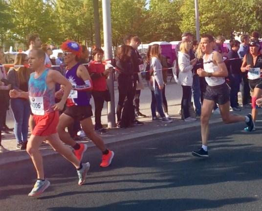 Athlète Nike running entrain de courir lors du marathon de Berlin 2018