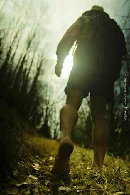 Florian Gomet court pieds nus ou en sandales !