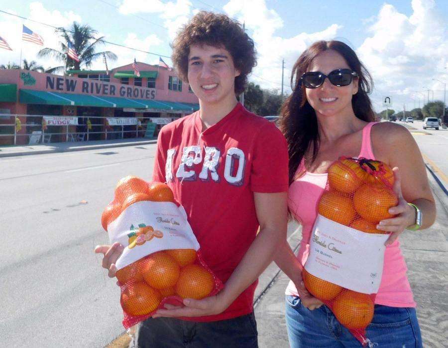 Lisa Roth et son fils Max devant leur boutique familiale de Dania (à Côté de Ft Lauderdale)