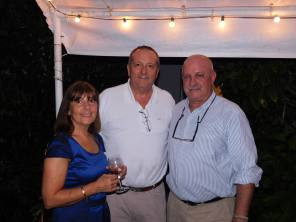 Xavier Capdevielle entre Marie Lou et Roger Pardo à la soirée Fipa à Miami