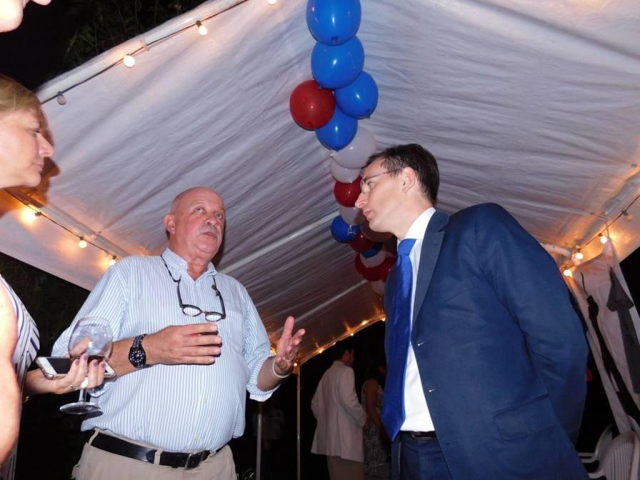 Roger Pardo et le consul Clément Leclerc devisant à la soirée Fipa à Miami