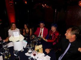 Gala de la FACC Miami avec le peintre Duaiv (cheveux bleus au centre !).