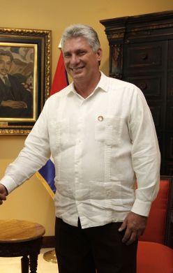Miguel Diaz-Canel est pour le moment le successeur désigné de Castro. Il serait alors le premier dictateur communiste à ne pas avoir participé à la révolution.