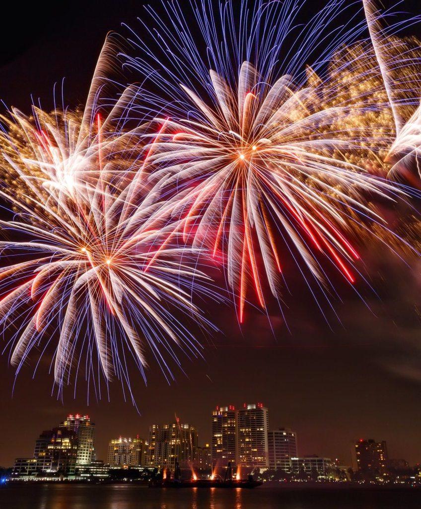 Feu d'artifice pour indépendance day à West Palm Beach