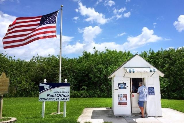 Le plus petit bureau de poste de Etats-Unis, à Ochopee en Floride