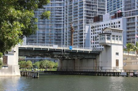 Brickell - Miami River