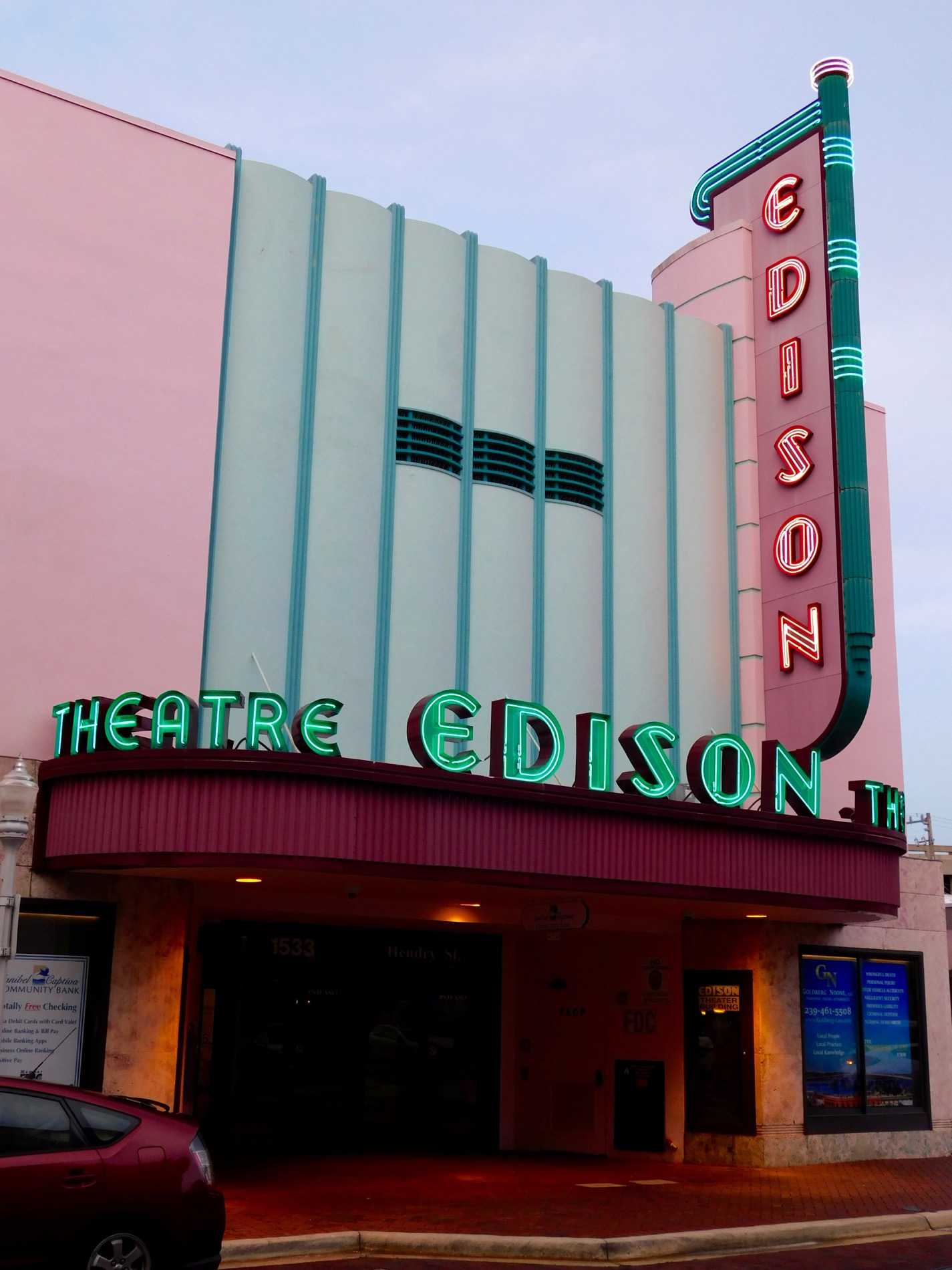 Edison Theater dans le River District : le centre ville de Fort Myers (Floride))
