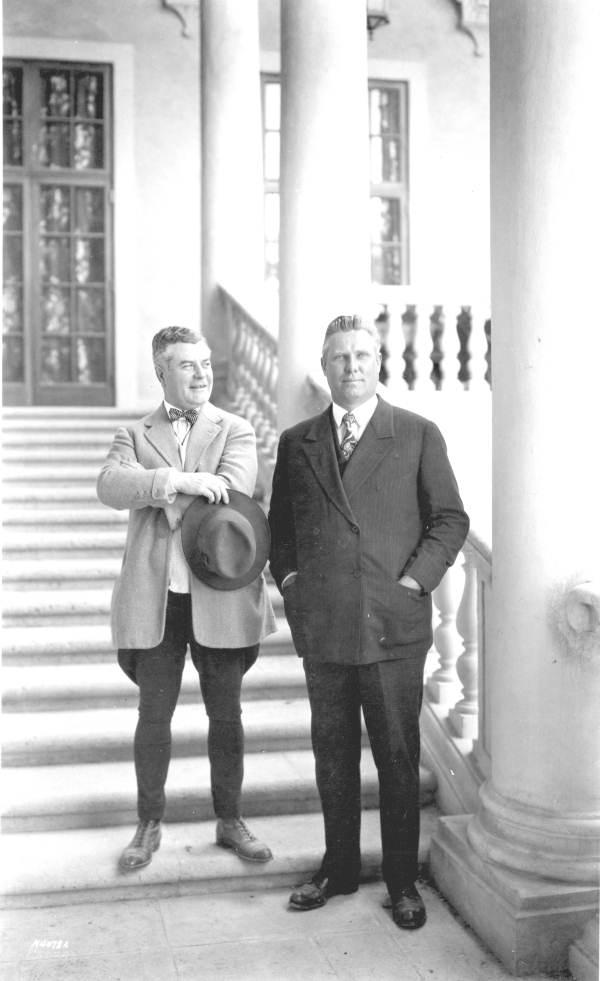 John McEntee Bowman (droite) et George E.Merrick