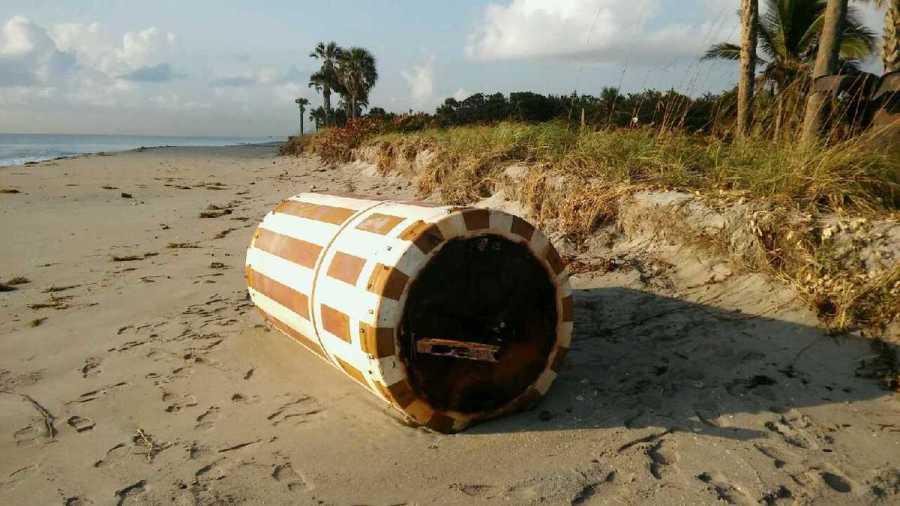 Une bouée soviétique échouée à Dania Beach
