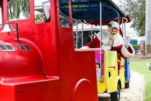 Holiday Village - Oakland Park