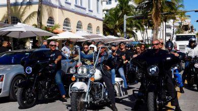 Photo of Miami : les bikers rendent hommage à Johnny Hallyday (vidéo et photos)