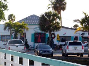 Restaurant du port de Bokeelia, village de pêcheurs et de cottages sur l'île de Pine Island, près de Fort Myers en Floride