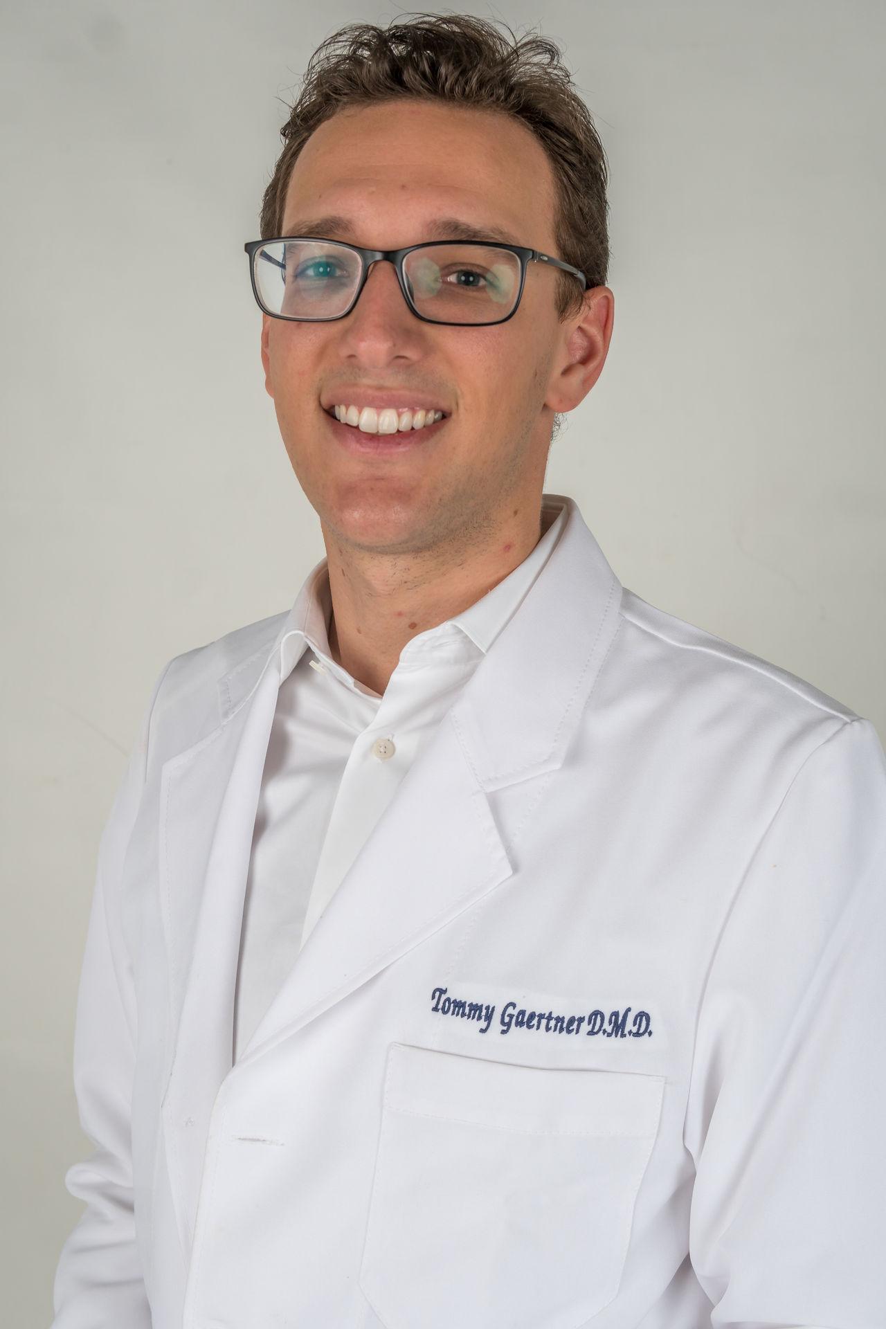 Tommy Gaertner Dentiste Miami Beach Smiles