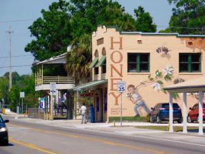 Magasin de miel dans le centre ville de La Belle, en Floride