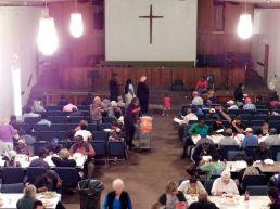 Dîner de charité organisé par l'association Hope South Florida dans une église de Fort Lauderdale