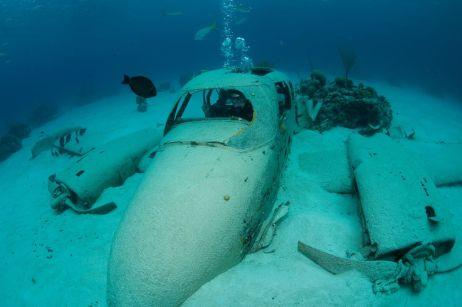 Bahamas - Plane wreck