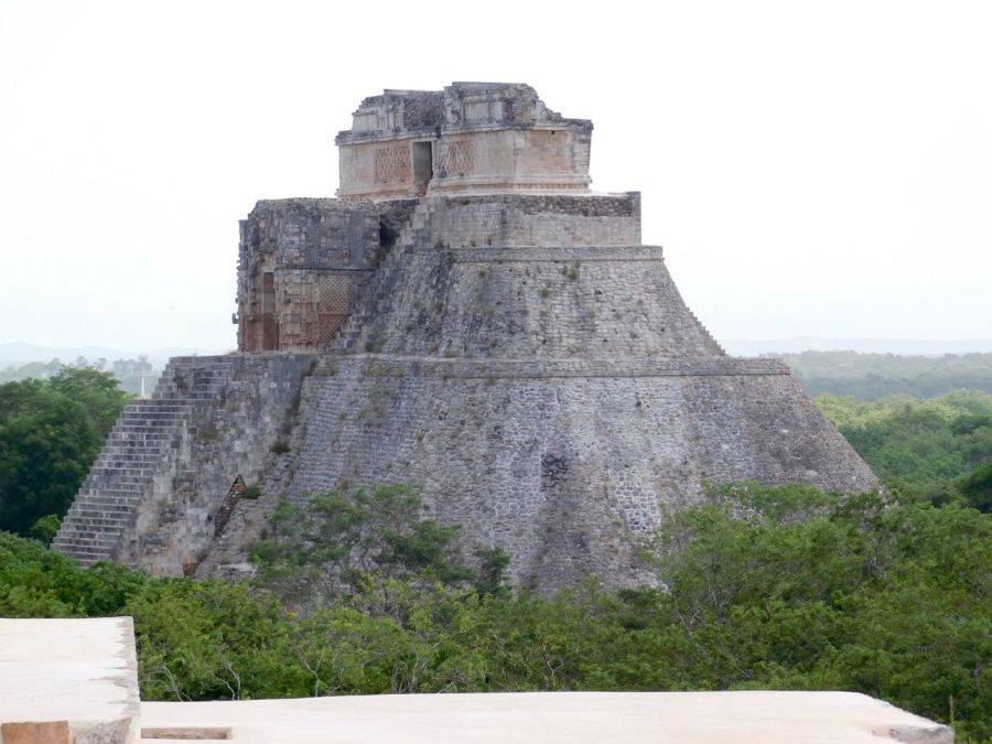 Pyramide maya d'Uxmal, dans le Yucatan (Mexique)