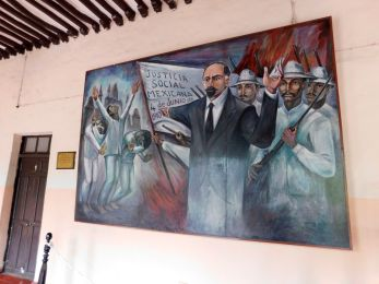 Salon de los Murales dans l'hôtel de ville de Valladolid (Yucatan / Mexique)