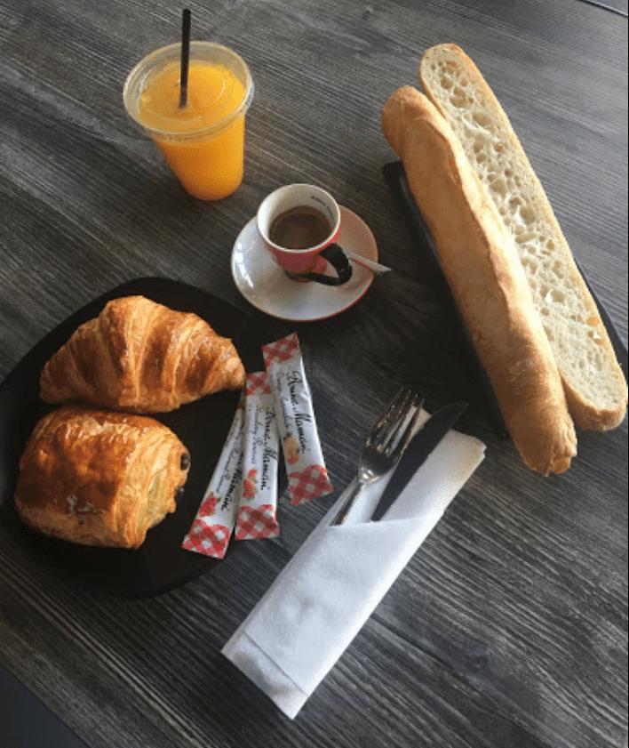 Maison Valentine - Petit déjeuner français