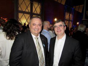Le conseiller consulaire Franck Bondrille en compagnie d'Antoine Huet, DGA de la compagnie aérienne Corsair