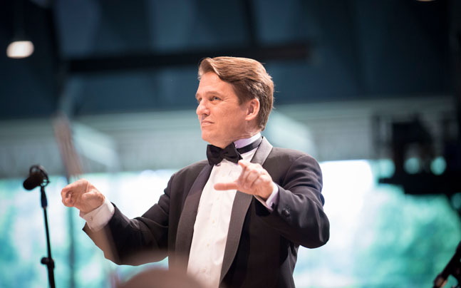 Keith Lockhart and The Boston Pops Esplanade Orchestra