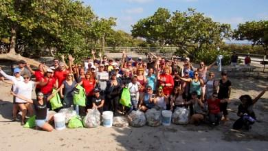 Photo of Les Canadiens ont nettoyé la plage de Hollywood (Floride) : les photos et vidéo