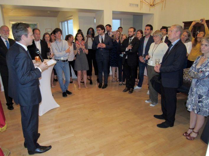 Les attachés de presses français d'Amérique du Nord autour du consul de France à Miami, Clément Leclerc.