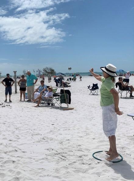 Pétanque sur la plage (Crédit photo : CCFA)
