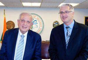 Gwendal Gauthier, publier of Le Courrier de Floride, with Tomas Regalado, mayor of Miami (2016)