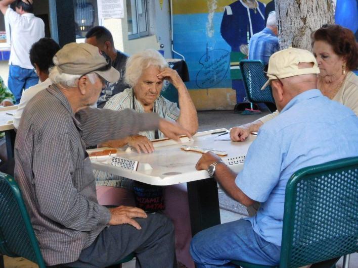 Joueurs de dominos - Little Havana - Calle Ocho - Miami - Floride