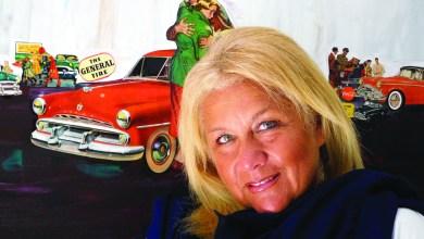 Photo of Nathalie Zelman colle et peint l'Amérique des 1950's