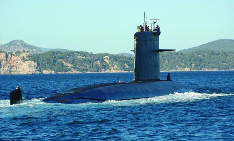 sous- marin français / porte -avion USS américain
