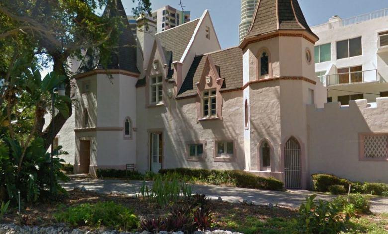 Le château Petit Douy à Miami Brickell