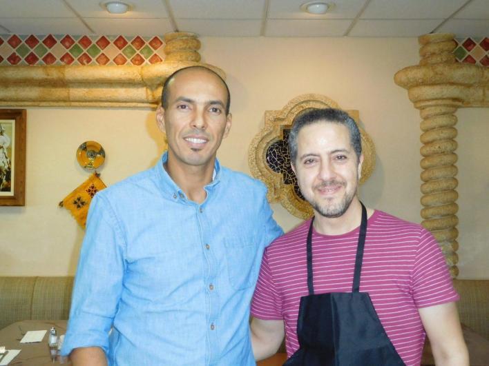 Chbani Faouzi, de l'association Atlas, avec Hamid El Lomal, patron du restaurant Casablanca à Aventura.