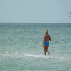 Pêche sur la plage de Delnor-Wiggins Pass State Park à Naples Floride