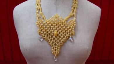 Un collier de nouilles, c'est mieux avec des diamants ! (crédit photo : crédit photo haut de page : http://www.mariebouchacourt.fr )