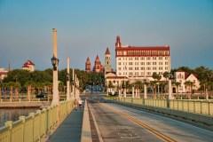 Vue de St Augustine depuis le Bridge of Lions (Crédit photo : Image fournie par FloridasHistoricCoast.com)