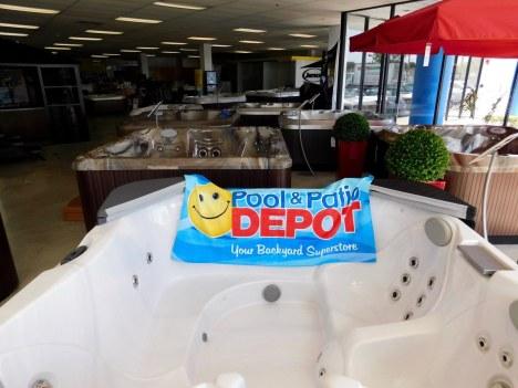 Pool & Patio Depot : Piscines hors sols en Floride, spas, matériel et meubles pour jardins et piscines