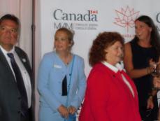 Daniel Veilleux (Desjardins Bank) sur la gauche.