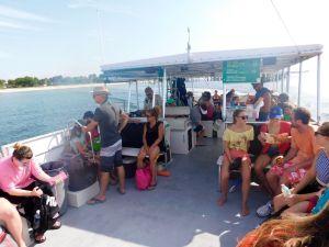 Ferry entre Fort De Soto et Egmont Key, au large de St Petersburg en Floride
